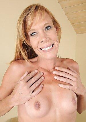 Mature Tits Sex Porn Pictures